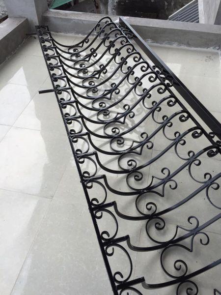lan can ban cong sat loi hinh 1 - Những mẫu lan can ban công sắt đẹp cho ngôi nhà bạn